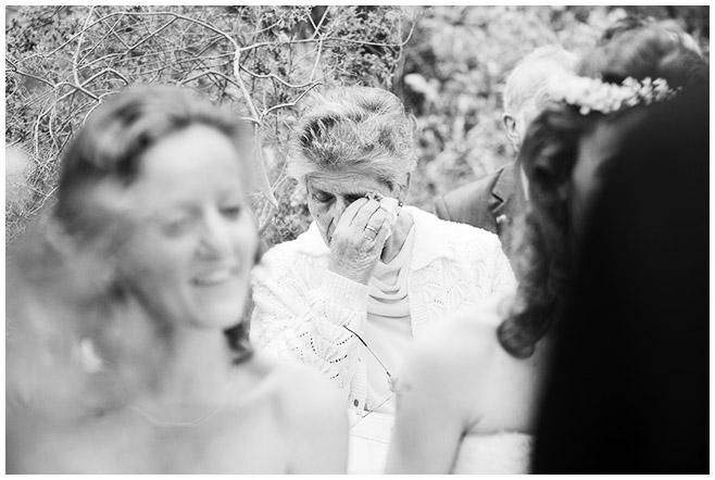 Hochzeitsreportagefoto von Hochzeitsgesellschaft bei Hochzeit im Botanischen Garten Berlin © Hochzeitsfotograf Berlin www.hochzeitslicht.de