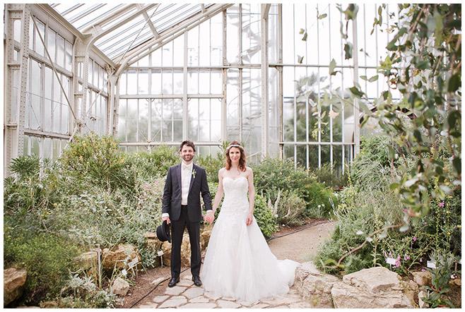 Braut und Bräutigam bei Hochzeit im Mittelmeerhaus, Botanischer Garten Berlin © Hochzeitsfotograf Berlin www.hochzeitslicht.de
