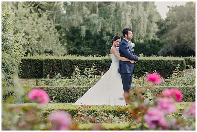 Brautpaarfotos aufgenommen von professionellem Hochzeitsfotografen im Rosengarten Volkspark Humboldthain, Berlin © Hochzeitsfotograf Berlin www.hochzeitslicht.de