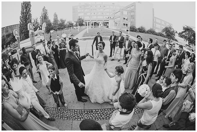 Hochzeitsreportagefoto von Hochzeitsfeier im Bomanti-Festsaal Berlin © Hochzeitsfotograf Berlin www.hochzeitslicht.de