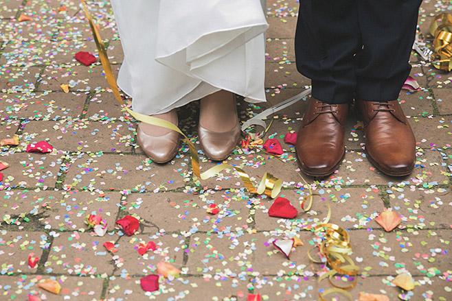 Hochzeitsreportage-Foto von Braut und Bräutigam nach Trauung im Spreewald © Hochzeitsfotograf Berlin www.hochzeitslicht.de