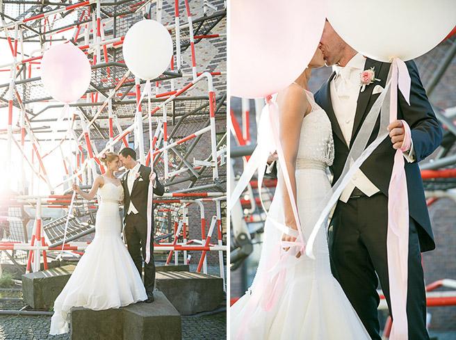Hochzeitsfotografie von Braut und Bräutigam bei Hochzeit in Capitol Yard Golf Lounge, Spreespeicher Berlin © Hochzeitsfotograf Berlin www.hochzeitslicht.de