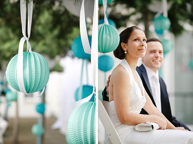 Brautpaar während Hochzeit bzw. freier Trauung in Kunztschule in Berlin © Hochzeitsfotograf Berlin www.hochzeitslicht.de