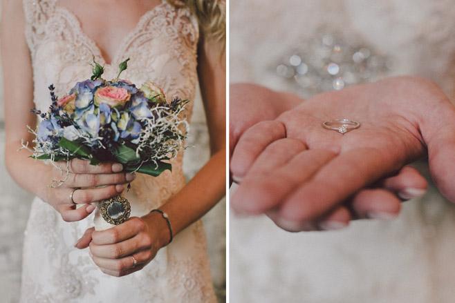 Idee für Hochzeitsbilder vom Brautstrauß und dem Ehering © Hochzeitsfotograf Berlin www.hochzeitslicht.de