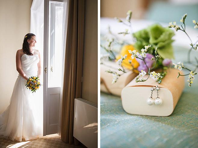 Hochzeitsfoto von Braut beim Getting Ready und Detailfoto der Brautohrringe bei Schloss-Liebenberg-Hochzeit © Hochzeitsfotograf Berlin www.hochzeitslicht.de