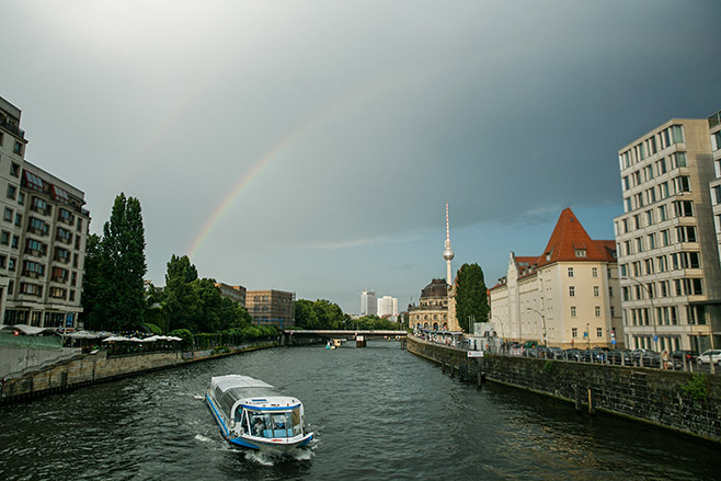 Eventfotografie bei Feier auf Boot in Berlin-Mitte © Fotostudio Berlin LUMENTIS