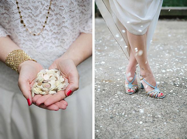 blaue Brautschuhe und Brautschmuck bei Hochzeit im Boho-Style © Hochzeitsfotograf Berlin www.hochzeitslicht.de