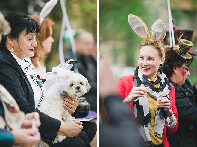 außergewöhnliche Hochzeitsfotografien während freier Trauung bei Mottohochzeit Alice im Wunderland © Hochzeitsfotograf Berlin www.hochzeitslicht.de