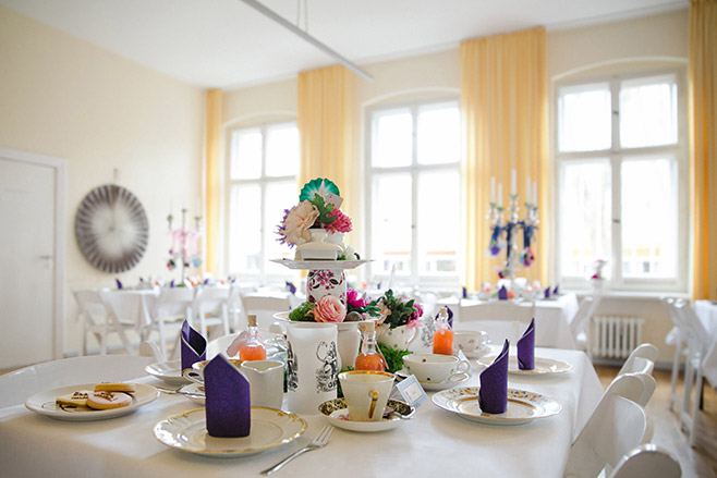 Hochzeitsfoto der Tischdekoration bei Vintage-Hochzeit in Berlin © Hochzeitsfotograf Berlin www.hochzeitslicht.de